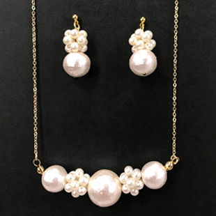 Pearl necklace pierce