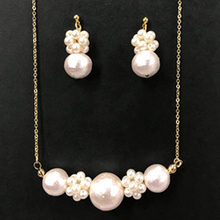 Thumb pearl necklace pierce