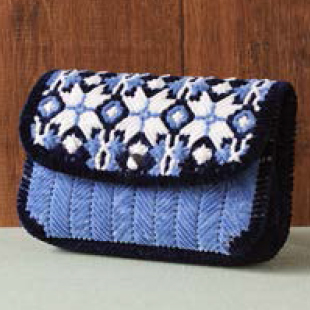 H167 200 214 nordic pattern pouch