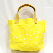 Thumb lunch tote yellow